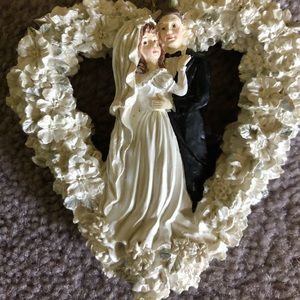Bride & Groom Ornament or accent NWOT
